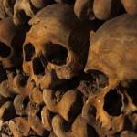 Hatmillió koponya Párizs alatt