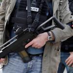 Tapétavágóval támadt torokra egy nő Franciaországban