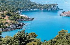 Eldugott falvak, kék öblök: Evia felfedezésre vár