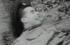 Ritka videó az LSD hatása alatt önuralmukat elveszítő brit tengerészgyalogosokról