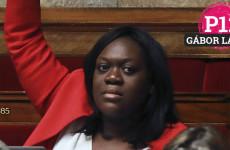 Macron kedvenc képviselőnője hülyét csinált magából a píszí nevében
