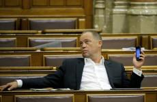 Szanyi kapitány egy szőke herceggel pofoztatná le a Fideszt