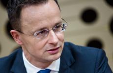 Juncker nem teszi az ablakba, amit Szijjártótól kapott