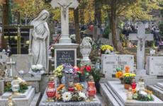 Egyre gyakrabban pusztítják a keresztény sírokat