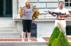 Soros ügyésze letartóztatta az otthonát megvédő házaspárt