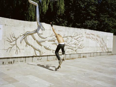 Fotó: Barakonyi Szabolcs: Részlet a Tébánya sorozatból, 2006-2008.
