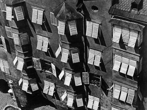 Fotó: Haller F.G.: Ablakok (Firenze), 1934 © Magyar Fotográfiai Múzeum  (forrás: fotomuzeum.hu)