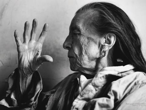 Fotó: Annie Leibovitz: Louise Bourgeois, New York City, 1997