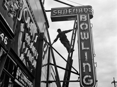 Fotó: Vivian Maier: New York, 1954. szeptember 20.  © Vivian Maier/Maloof Collection, Courtesy Howard Greenberg Gallery, New York