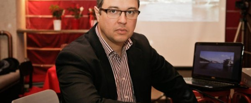 Szentesi-Zöldi László: Győz a trikolor