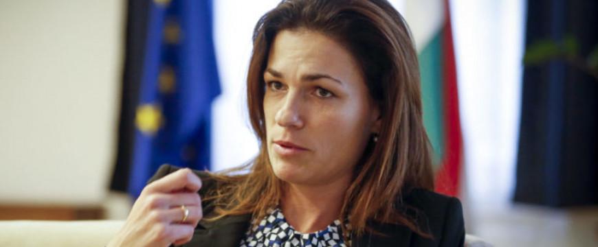 Varga Judit kiváló, modellértékű válaszai a liberális támadásokra