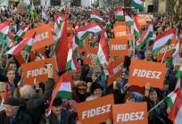 Orbán Viktor, gyere ki!