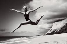 Fotó: Mario Testino: Karlie Kloss, Vogue, July 2012 © Mario Testino