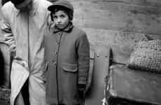 Fotó: Ata Kandó: Eisenstadt, Ausztria, 1956. október © Ata Kandó/Nederlands Fotomuseum