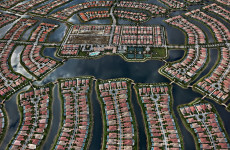 Fotó: Edward Burtynsky: Verona Walk, Naples, Florida, USA, 2012