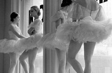 Fotó: Alfred Eisenstaedt: Scene at the School of American Ballet, New York, 1936  © Alfred Eisenstaedt—Time & Life Pictures/Getty Images