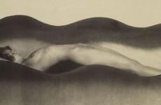 Fotó: Frantisek Drtikol: Hullám, 1925
