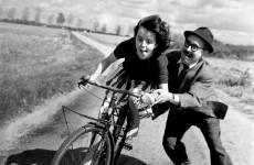 Fotó: Robert Doisneau: Leçon de vélo (Apa és lánya), 1961