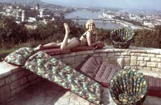 Fotó: Gellérthegy, háttérben a Budai Vár és a Lánchíd. A Palma Gumigyár reklámfotója, 1969 © Fortepan/ Ferencvárosi Helytörténeti Gyűjtemény