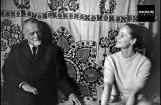 Fotó: Henri Cartier-Bresson: Kodály Zoltán és felesége, Péczely Sarolta, 1964 © Henri Cartier-Bresson//Magnum Photos