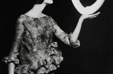 Fotó: William Klein: Dorothy, Paris, 1962 © William Klein, Courtesy HackelBury Fine Arts
